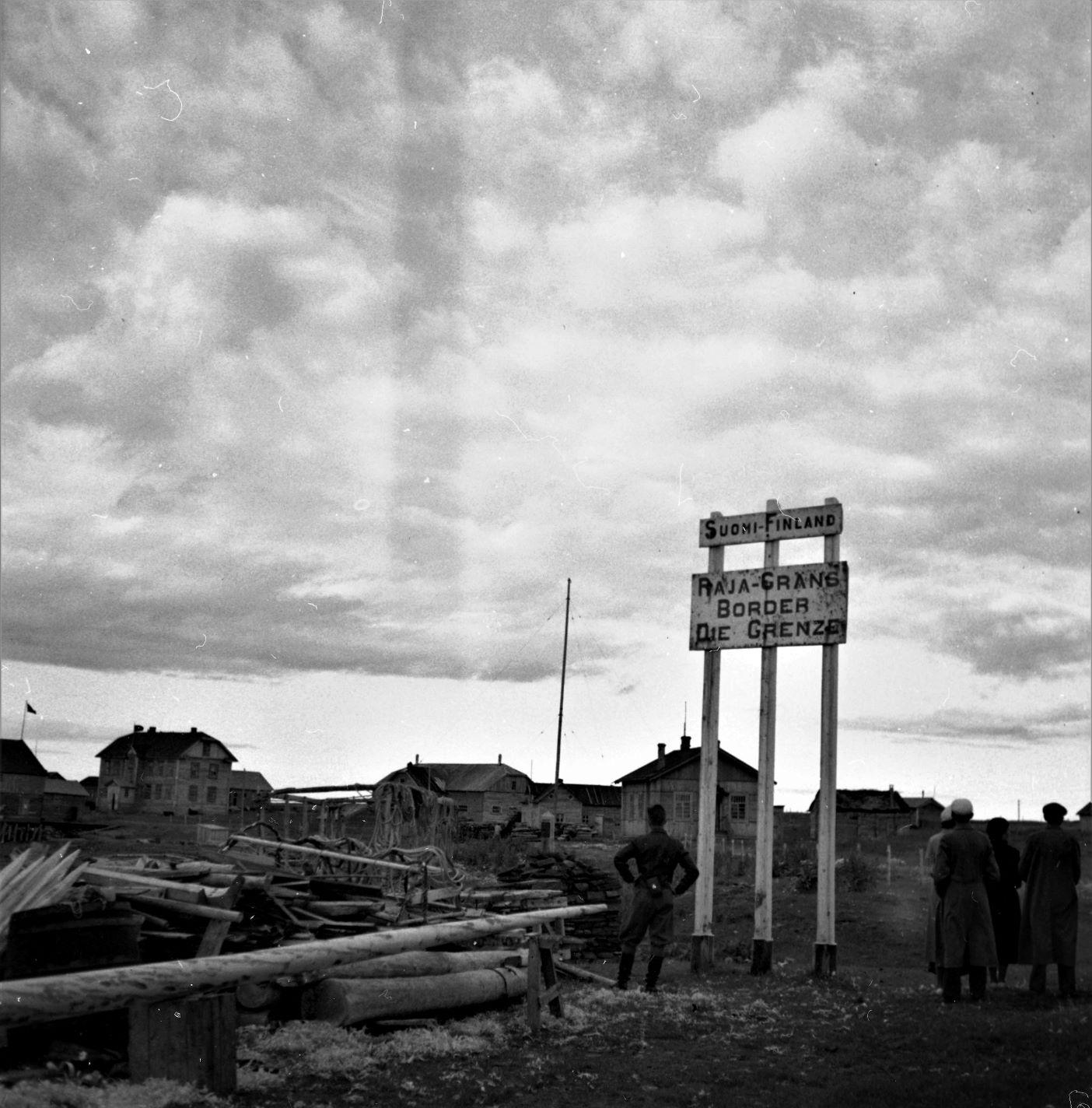 Vaitolahti raja keskellä kylää
