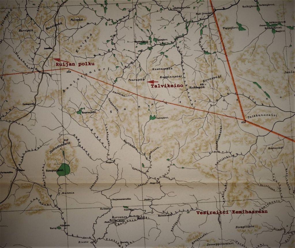 Saariselkä 1927: maantie on valmistumassa Petsamoon asti, vanhat kulkukeinot - talvitiet, ratsutiet, postipolut, kesä- ja talvikeinot - ovat hyvin näkyvillä kartassa, samoin ikivanhat vesireitit.